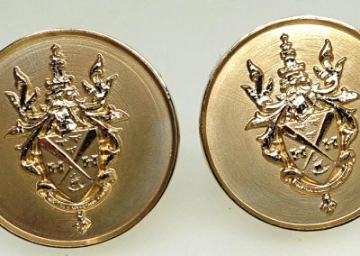 Gold cuff links 3D engraved with coat of arms and motto