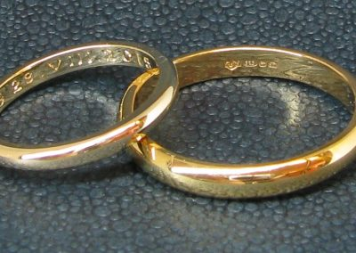 Gold wedding rings fit for a Prinz and his Prinzessin