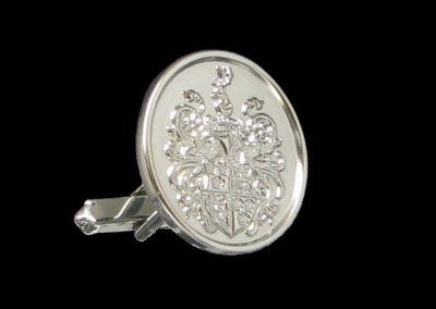 White gold cuff links with 3D engraved coat of arms