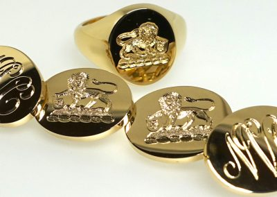 Gold signet ring with engraved premium weight cuff links